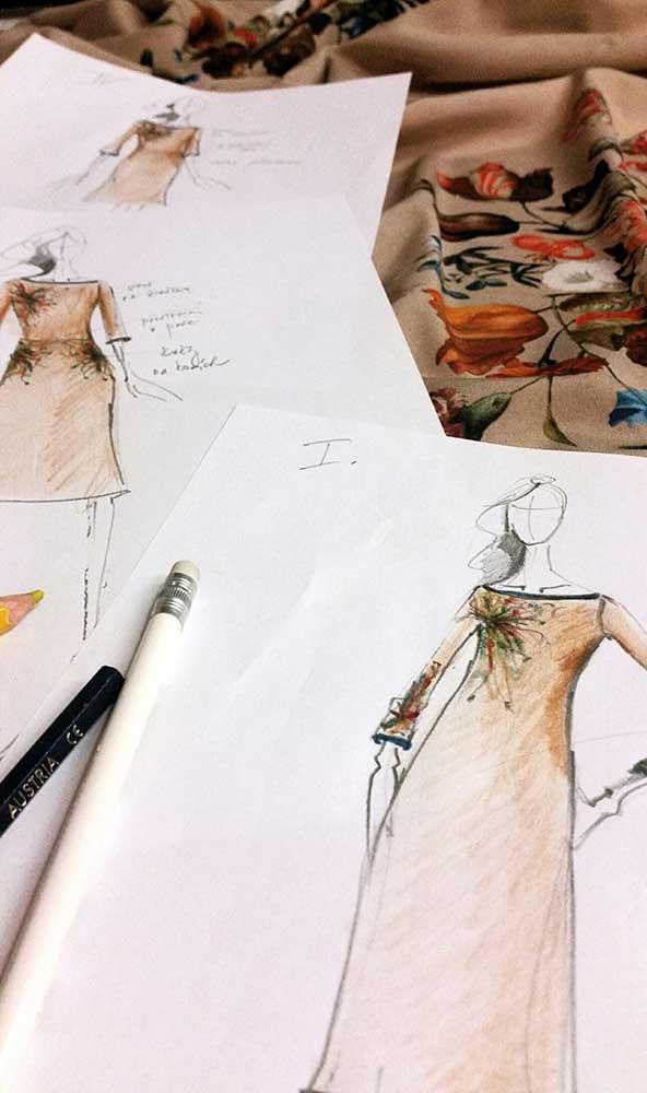 Letní šaty - varianty<br> hedvábný crepe s efektním potiskem